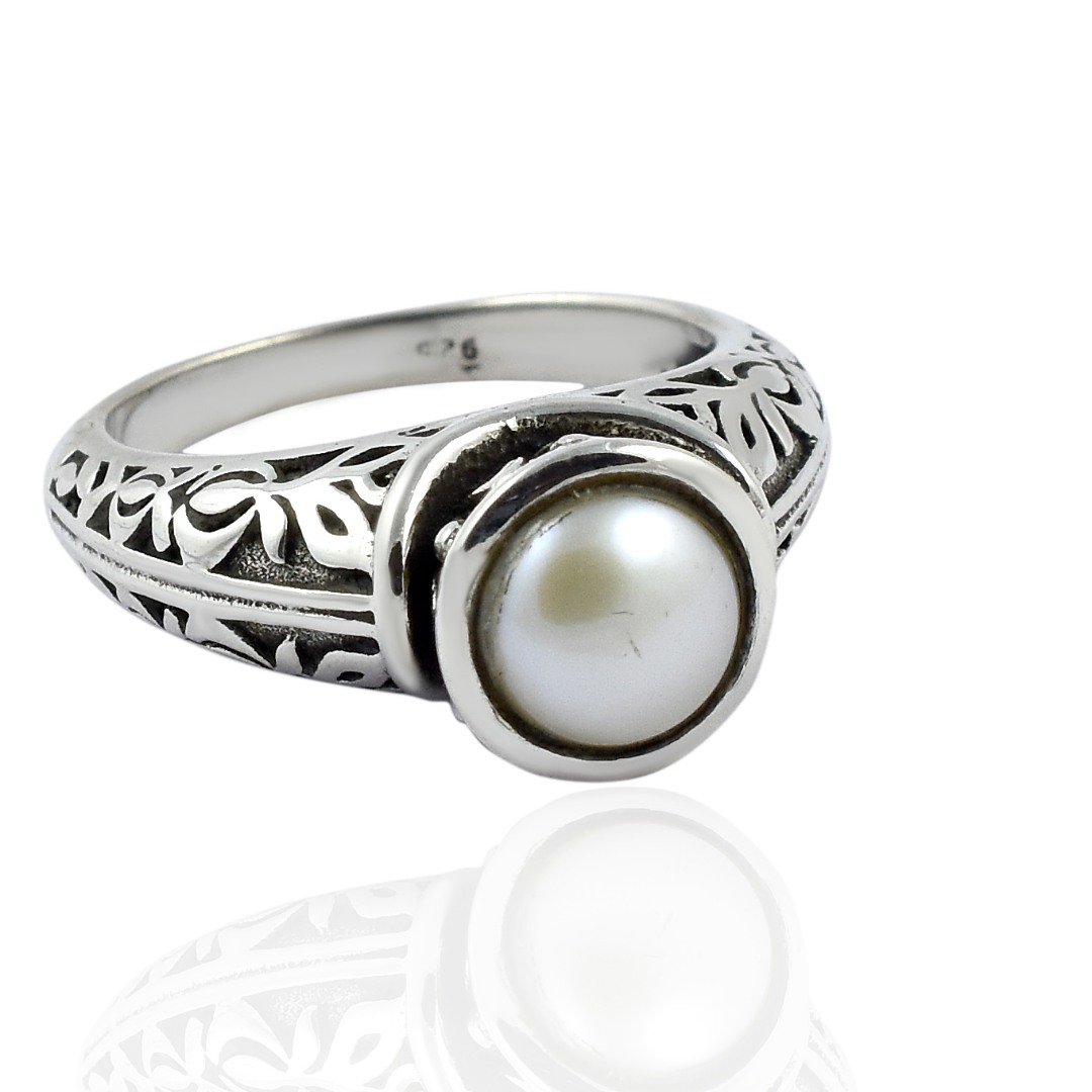 Natural Mother Of Pearl Ring,925 Sterling Silver Ring,Christmas Gift,Gemstone Ring,Fashion Ring Women,Statement Ring,Small Unique Pearl Ring