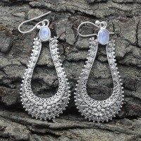 Alluring Rainbow Moonstone Cut Stone Silver Earring