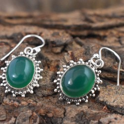 Connatural Green Onyx Oval Shape Cabochon Silver Earring