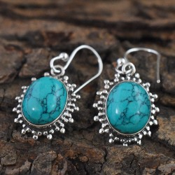 Typical Green!! Turquoise Oval Cabochon Earring