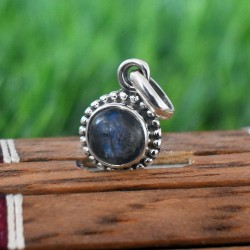 Beautiful Blue Fire Labraborite 925 Sterling Silver Pendant!!