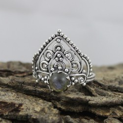Amazing Round Labradorite Cabochon 925 Sterling Silver Ring