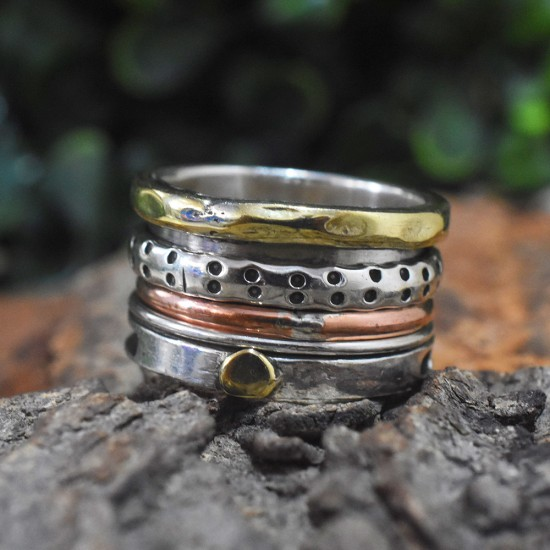Beautiful Hammered Designed Plain Silver Spinner Band
