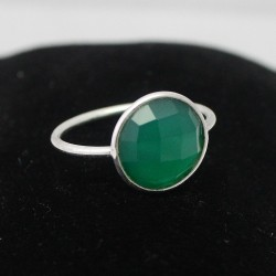 Alluring Green Onyx 925 Sterling Silver Ring