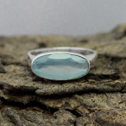 Aqua Green Chalcedony 925 Sterling Silver Ring