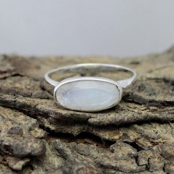 Amazing Gemstone Ring !! Rainbow Moonstone Jewelry Oval Shape 925 Sterling Silver Ring