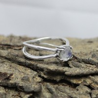 Attractive White Rainbow Moonstone 925 Sterling Silver Prong Setting Ring