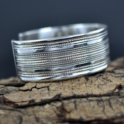 Designer Inspired Hammered Dinty Cuff Bangle 925 Sterling Plain Silver Jewelry