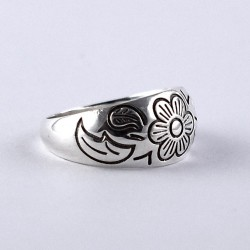 Handmade 925 Sterling Plain Silver Band Ring Flower Design Indian Silver Jewellery Gift For Her