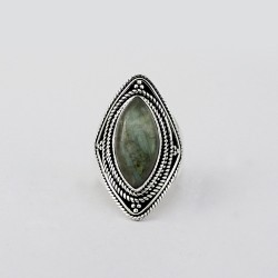 925 Sterling Silver Bezel Setting Labradorite Ring