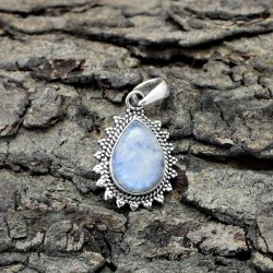 Superb !! Natural Rainbow Moonstone 925 Sterling Silver Pendant